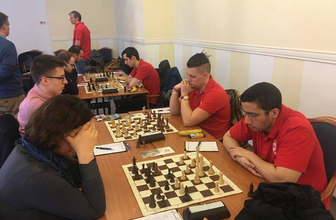 sakk találkozó helyén