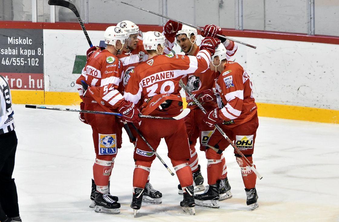 DVTK Jegesmedvék - MAC Budapest 2-0